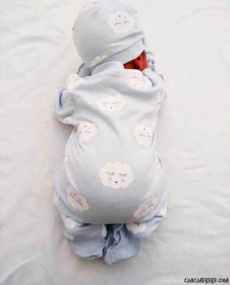 Şapkalı Bulut Baskılı Bebek Tulum