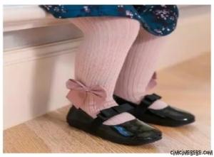 Kurdelalı Kız Bebek Külotlu Çorap