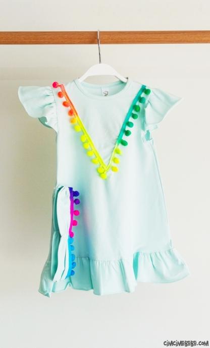 Ponponlu Bandanalı Şirin Kız Çocuk Elbise