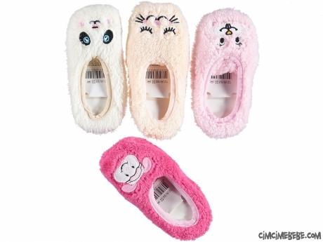 Sevimli Suratlar Kız Bebek Patik