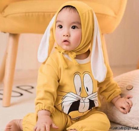 Sevimli Kulak Şapkalı Bebek Tulum