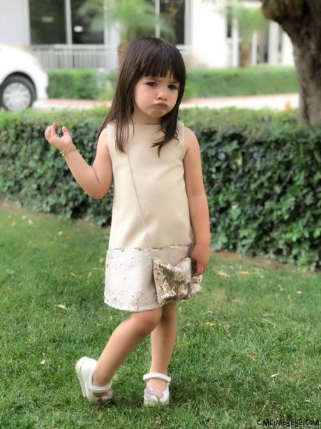 Pullu Çantalı Kız Çocuk Elbise