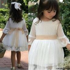 Dantel Detaylı Tokalı Zarif Kız Çocuk Elbise