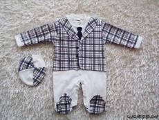 Sahte Kravatlı Şapkalı Bebek Tulum